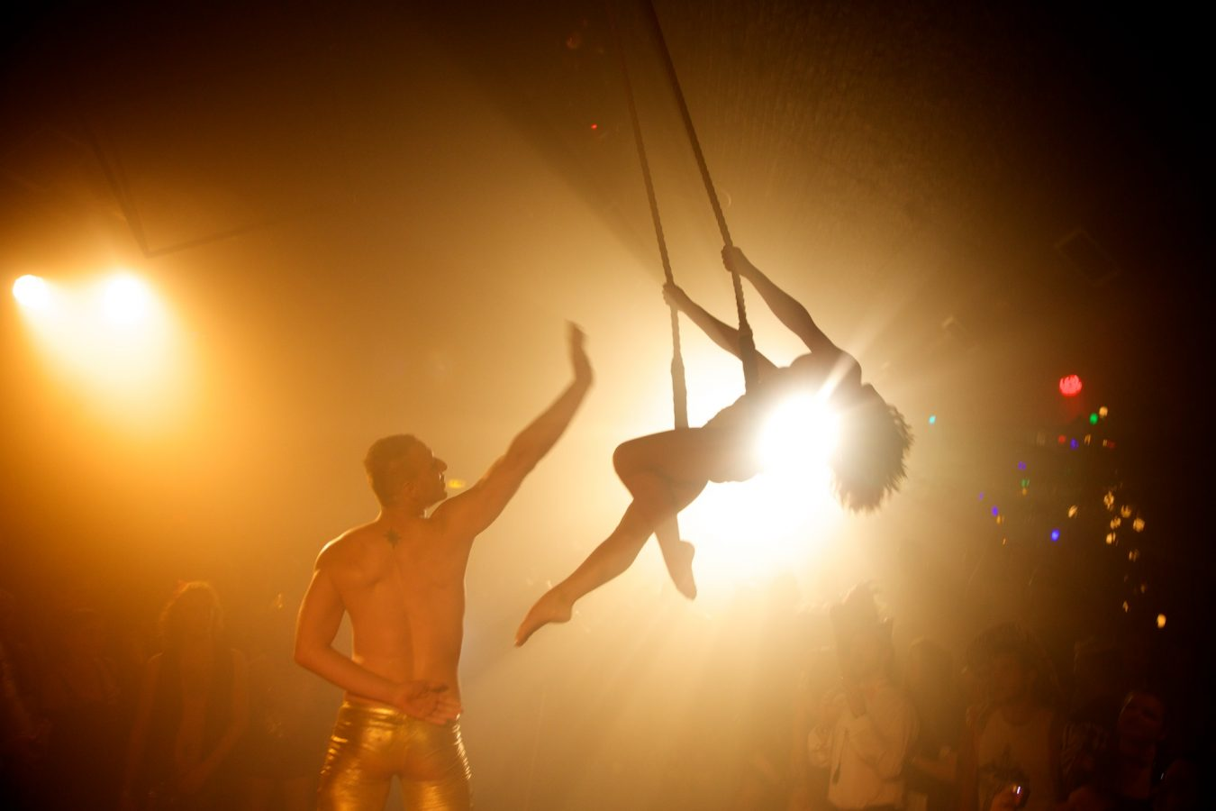 aerialists-01